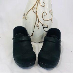 Dan ski black classic slip on shoes size 40